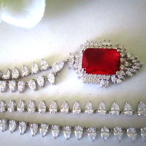 18k white gold F brilliant Ruby diamond Necklace s